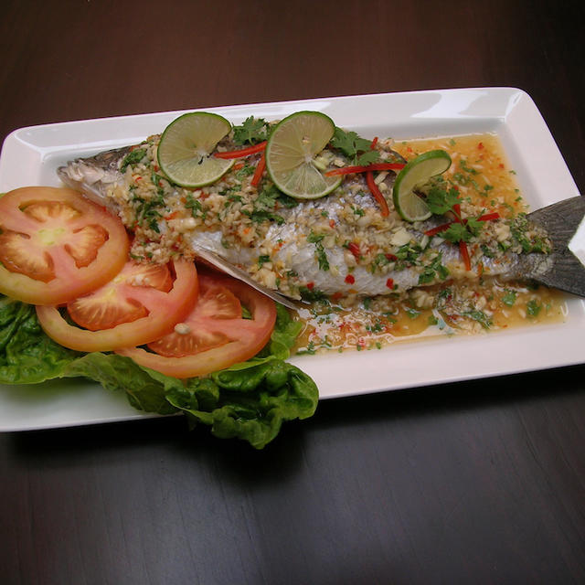 Steamed Whole Boneless Apahap with Lime